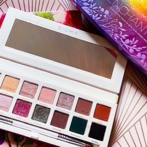 BNIB LE Sigma Beauty Enchanted Eyeshadow Palette!!